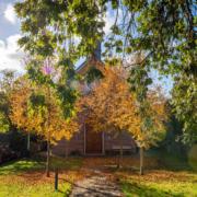 Podiumkerkje Grevenbicht herfst